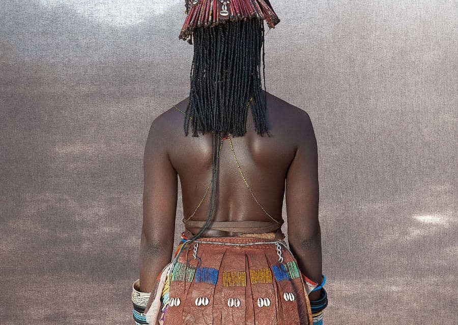 Disappearing Universe – Incredible photos of indigenous tribes in South West Africa