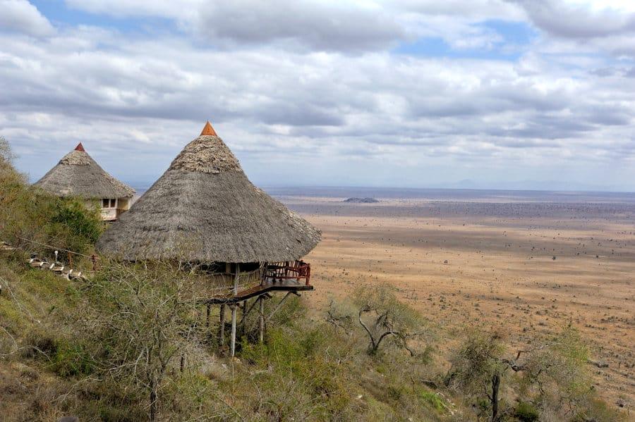 Kenyan safari lodge overlooking stunning plains